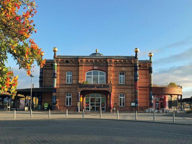 Der Hundertwasser-Bahnhof (c) Hansestadt Uelzen