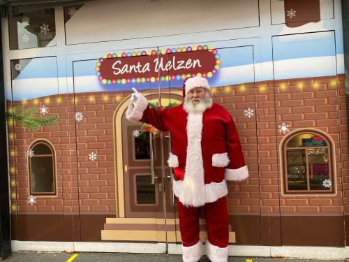 Weihnachtsmann-in-Innenstadt