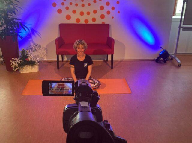 Das Wohnzimmer wird zum Fitnessstudio, dank virtueller Unterstützung von Experten. (c) Stadtmarketing Uelzen